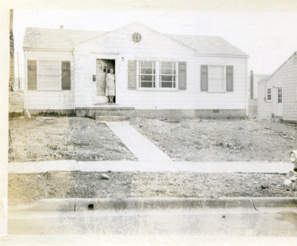 NewHome-1449RoslynAve-17Mar1955